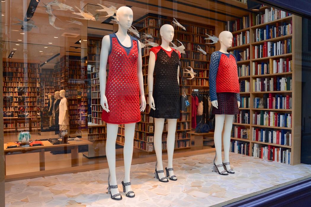 Bücherwände stehlen der Mode fast die Show, Sonia Rykiel/Paris