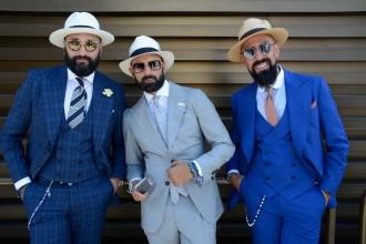 Drei elegante Portugiesen, die sich am Blau des Atlantik inspiriert haben