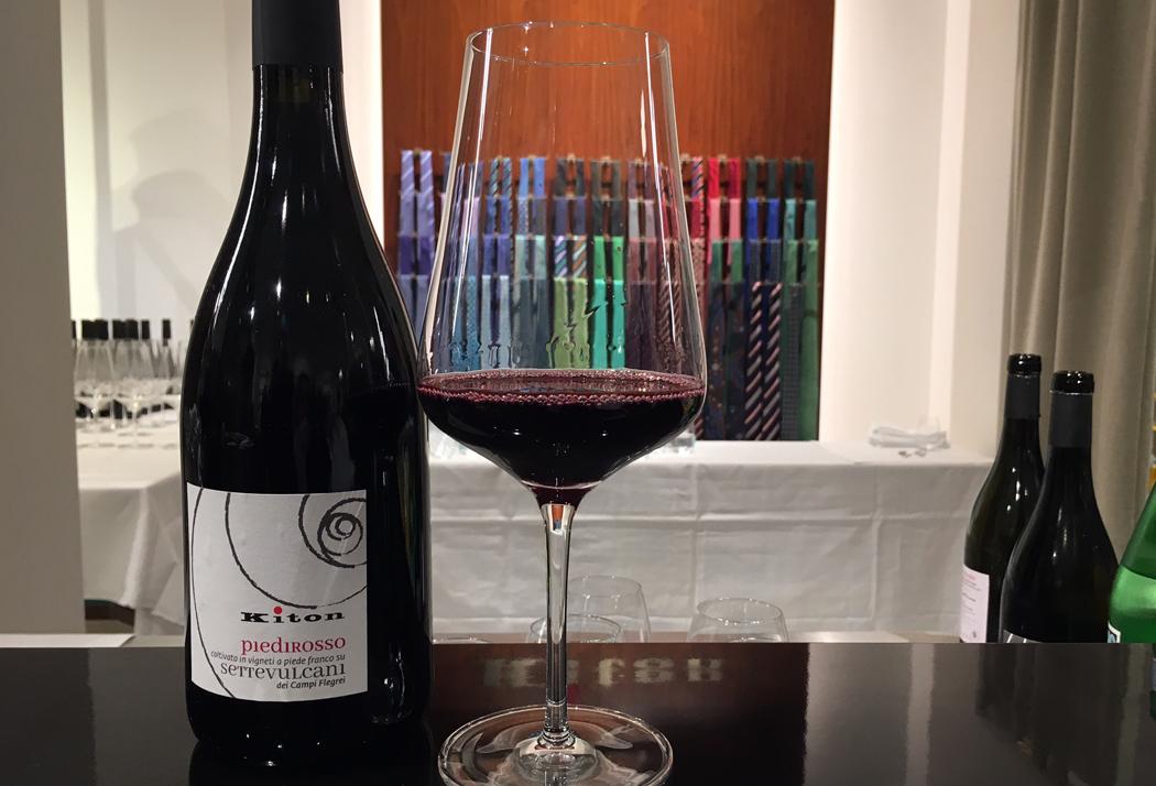 Vino rosso della Casa Kiton