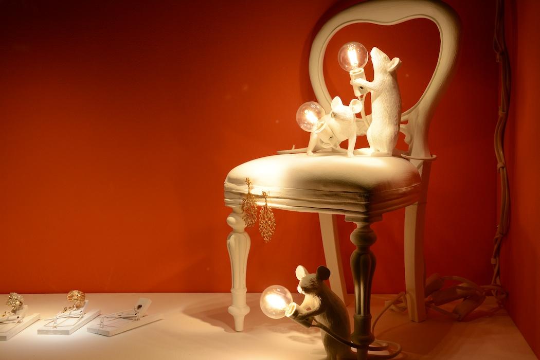 Wenn die Katze aus dem Haus, dann tanzen die Mäuse auf den Stühlen, Cada